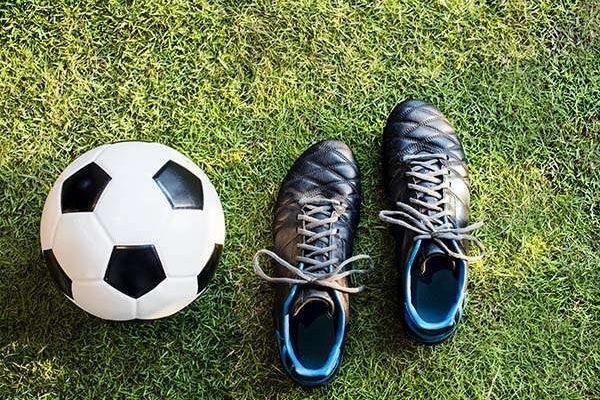 football_P9RX5EM